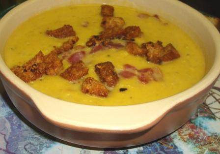 Pumpkin Curry And Bacon Soup